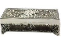 Pewter trinket Box 7 * 10 * 22.5cm