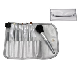7PC COSMETIC BRUSH SET IN SILVER POUCH