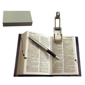Pen / Reading Light Set In Gift Box (16.8X9X3.3Cm)