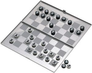 BISHOP MAGNETIC CHESS SET