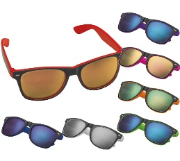 Sunglasses with colour accents