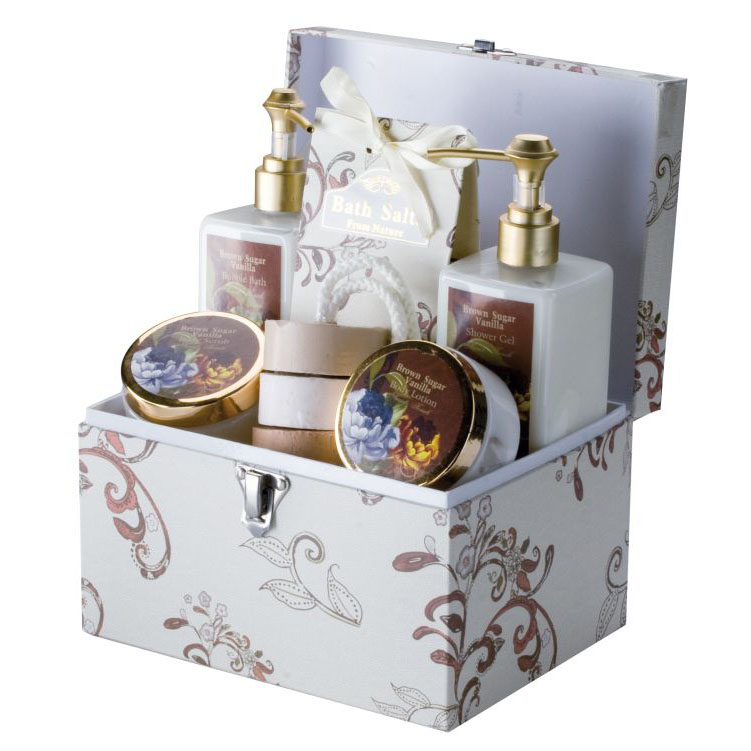 Wellness gift set with vanilla/brown sugar scented bubble bath a