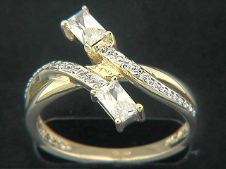 Seperated Shinny PaveRectangle Cubic Ring