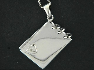 Rectangle Notepad And Diamond Heart Pendant